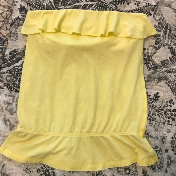 American Eagle Outfitters Tops - Strapless ruffled top